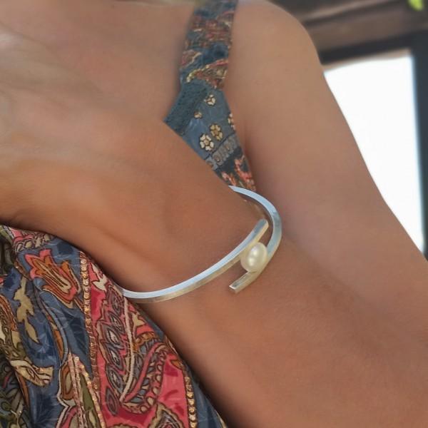 Edna Nelsy bracelet